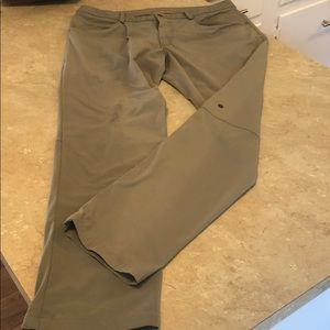 Lululemon pants 12